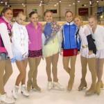 С участницами соревнований перед награждением